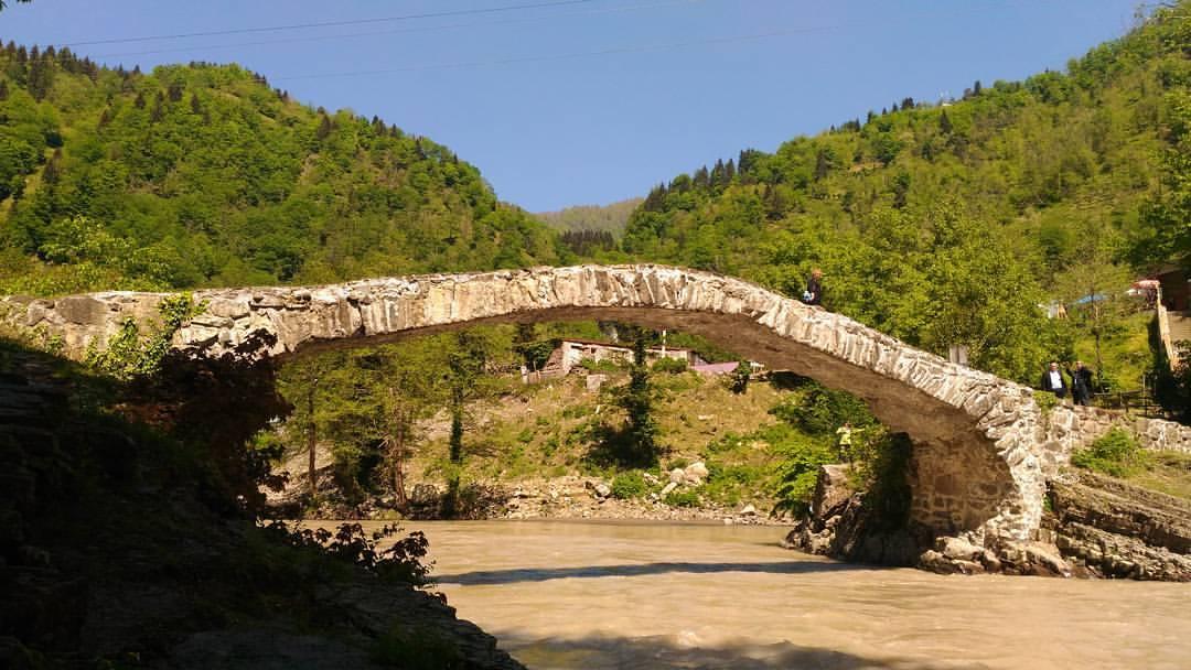 Достопримечательности Грузии мост царицы Тамары