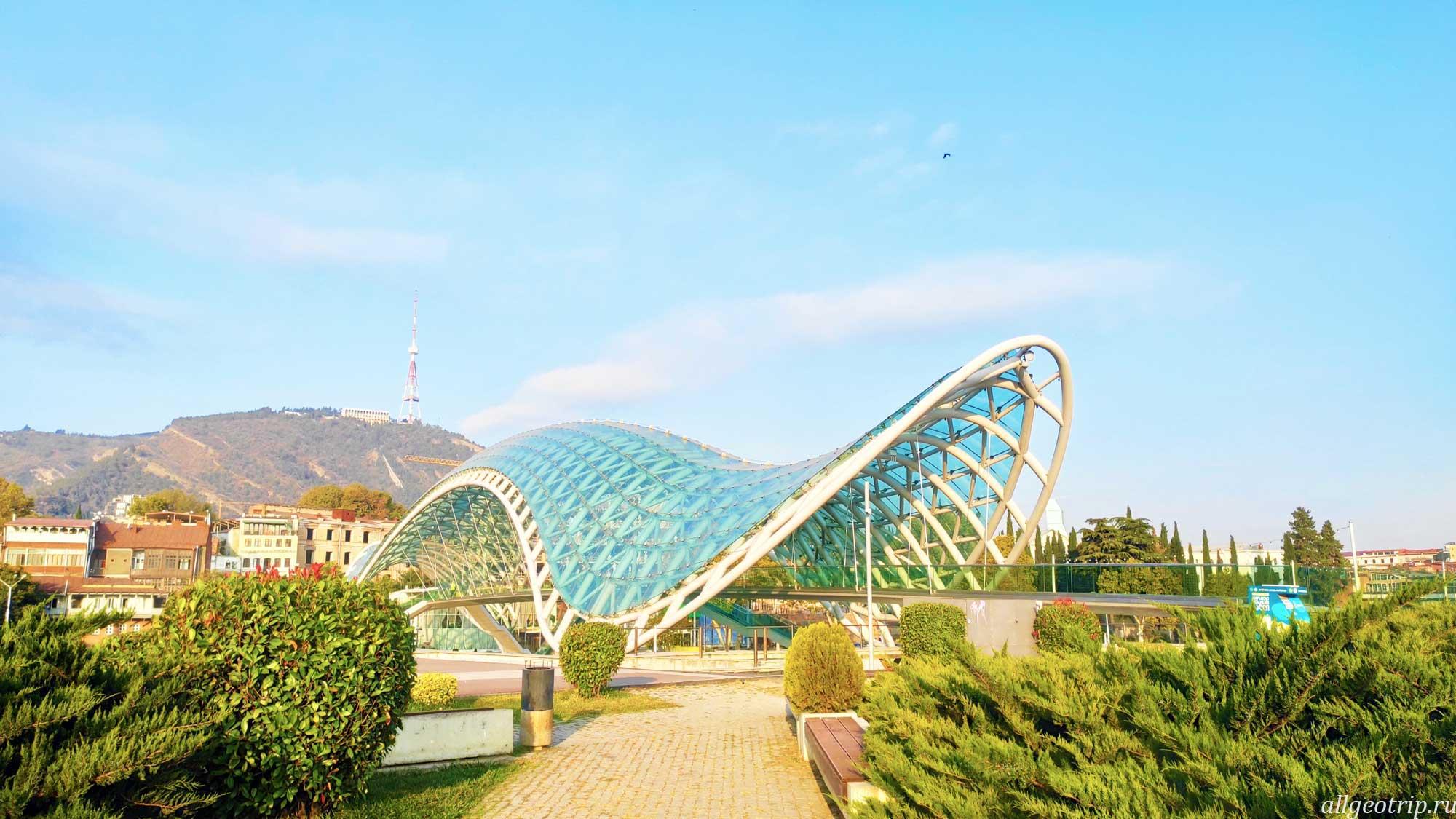 Достопримечательности Тбилиси Мост Мира