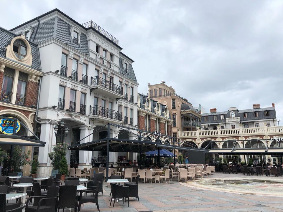 Площадь Пьяцца в Батуми
