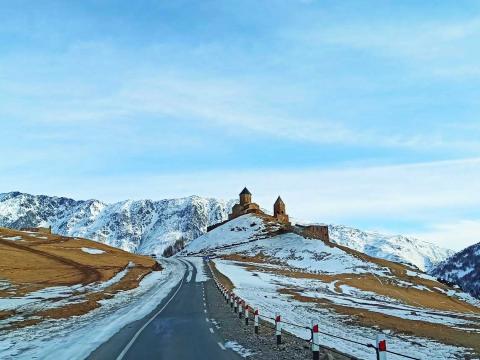 По Военно-Грузинской дороге к Казбеги