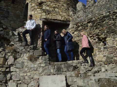 По крепости 16-17 века - Ананури
