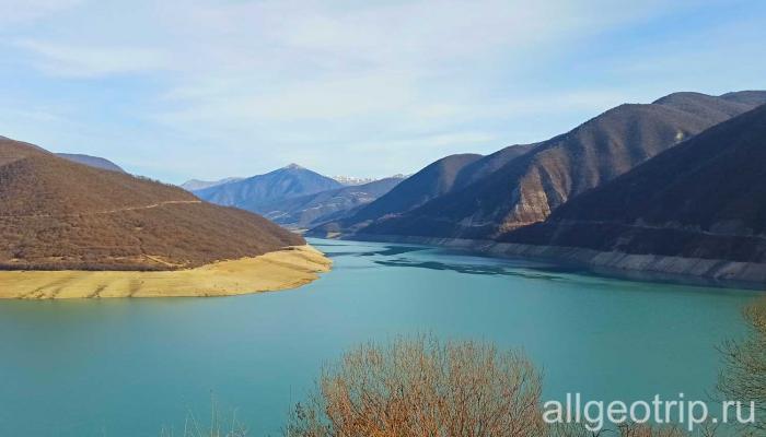 Групповая экскурсия в Казбеги Жинвальское водохранилище